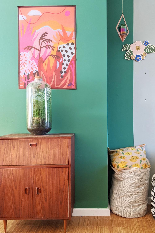Groene muur bij Studio Hoppa thuis