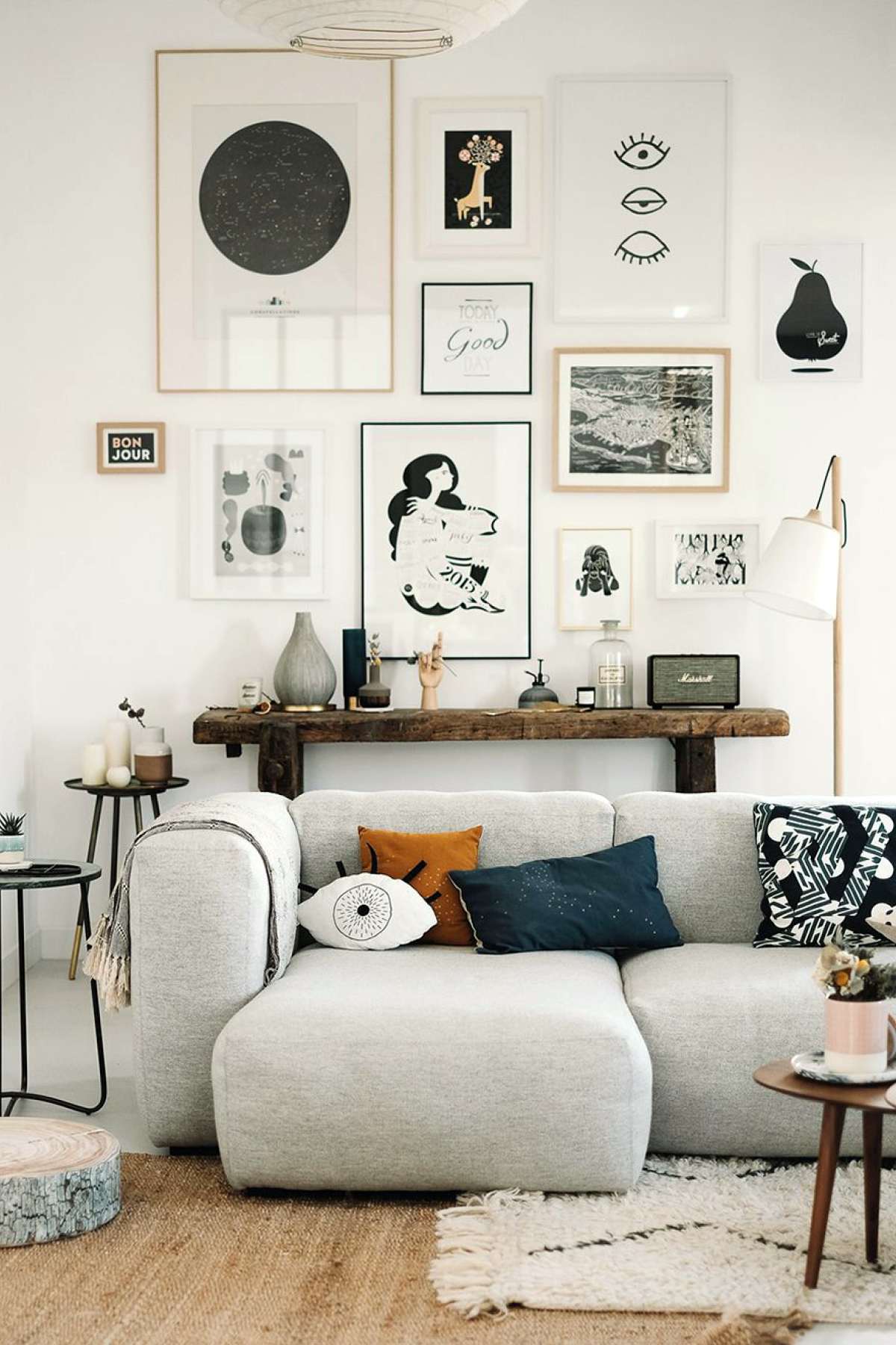 gallery wall via le-chien-a-taches