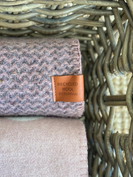 Ledikantdeken duurzaam recycled wol