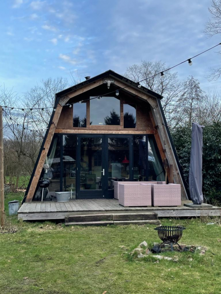 Weekend weg tiny house camping buitenland