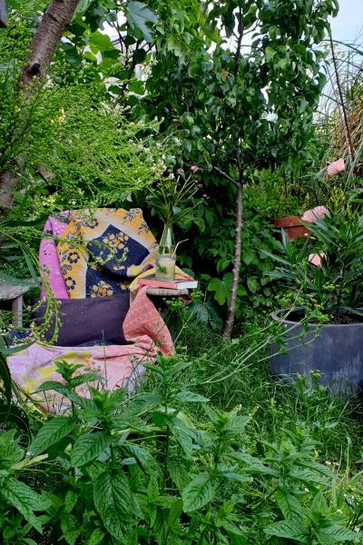 mooi begroeide tuin